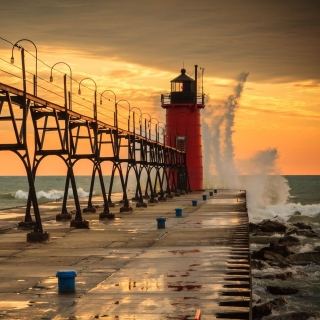 Grand Haven lighthouse in Michigan - Obrázkek zdarma pro 208x208