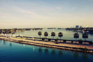 Miami Beach - Obrázkek zdarma pro 1366x768