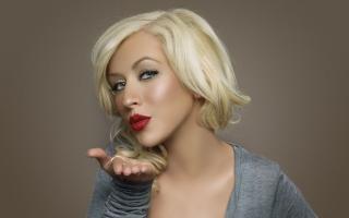Christina Aguilera Kiss - Obrázkek zdarma pro 480x320