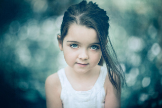 Little Pretty Girl Picture for Android, iPhone and iPad