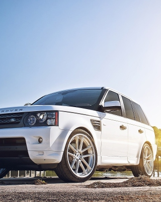White Land Rover Range Rover - Obrázkek zdarma pro 240x400