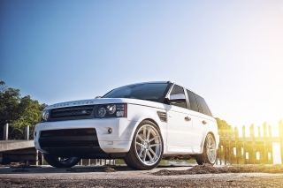 White Land Rover Range Rover - Obrázkek zdarma pro Fullscreen Desktop 1024x768