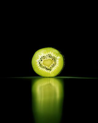 Kiwi Reflection - Obrázkek zdarma pro 640x1136