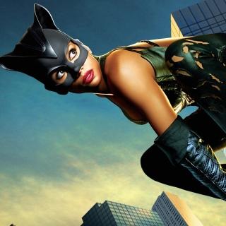 Catwoman Halle Berry - Obrázkek zdarma pro iPad mini 2