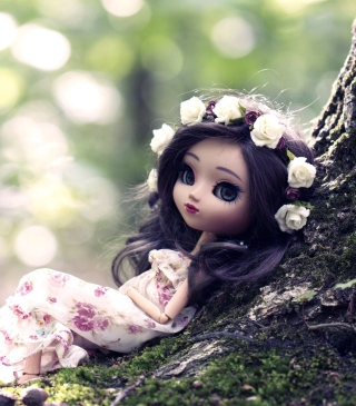 Beautiful Brunette Doll In Flower Wreath - Obrázkek zdarma pro 240x400