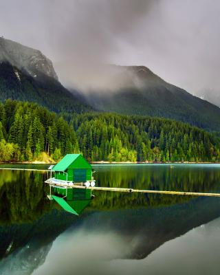 Capilano Lake in North Vancouver - Obrázkek zdarma pro Nokia Asha 311