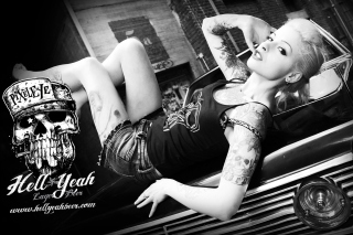 Model Black And White Picture for Android, iPhone and iPad