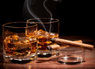 Free Whisky & Cigar Picture for Android, iPhone and iPad