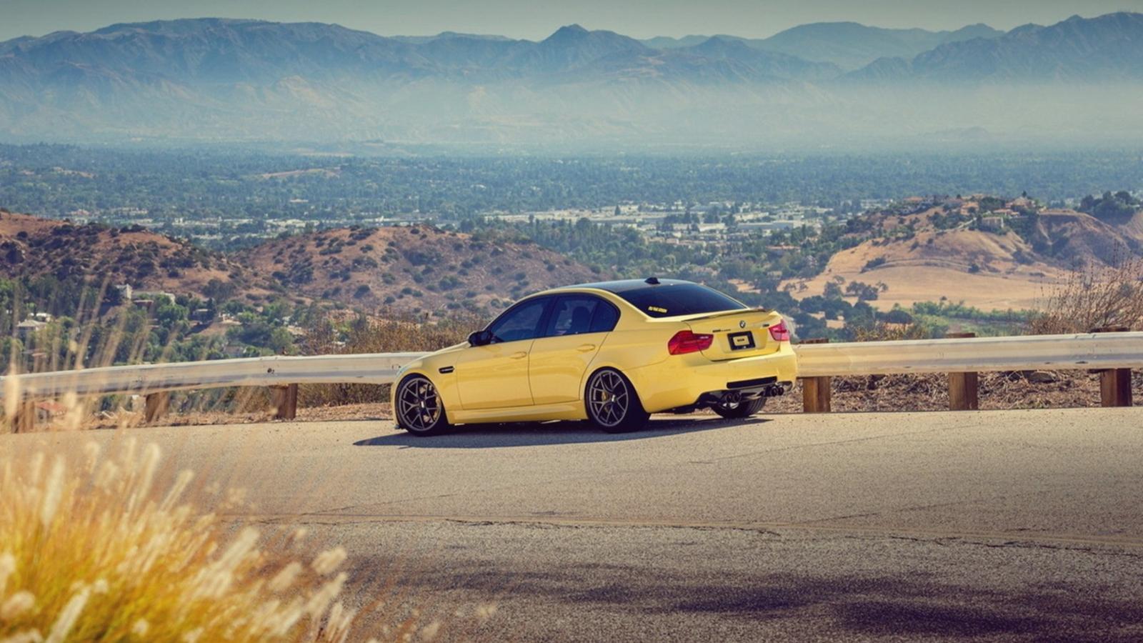 BMW M3 Желтое  № 844764  скачать