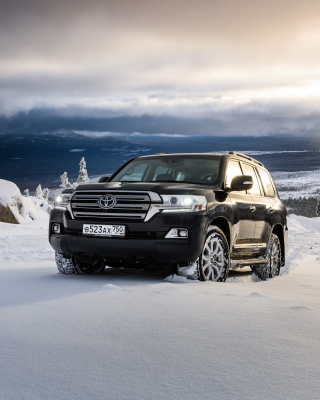 Toyota, Land Cruiser 200 in Snow - Obrázkek zdarma pro Nokia Asha 503