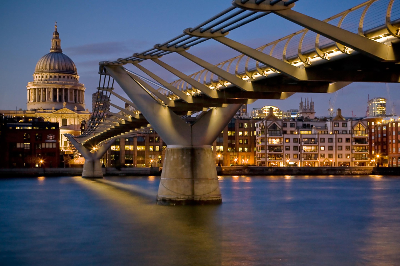 природа страны архитектура ночь река город мост  № 806796 бесплатно