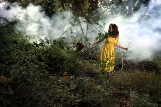Free Girl In Yellow Dress Picture for Android, iPhone and iPad
