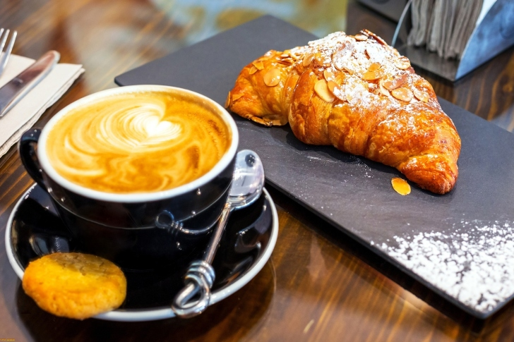 Croissant and cappuccino wallpaper