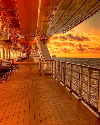 Sunset on posh cruise ship - Obrázkek zdarma pro Nokia 206 Asha