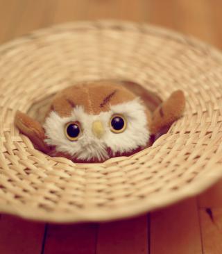 Cute Toy Owl - Obrázkek zdarma pro Nokia C1-01