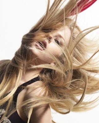 Avril Lavigne - Obrázkek zdarma pro 240x432