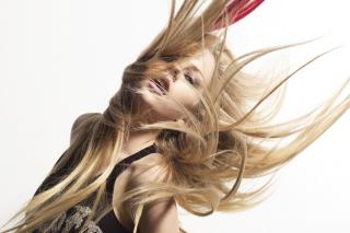 Avril Lavigne - Obrázkek zdarma pro Nokia C3