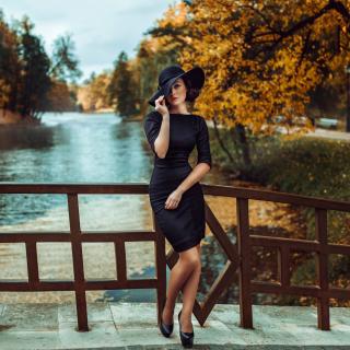 Fit Autumn Lady - Obrázkek zdarma pro 208x208