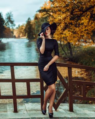Fit Autumn Lady - Obrázkek zdarma pro 128x160