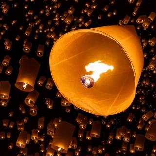 Air fiery torches - Obrázkek zdarma pro 320x320