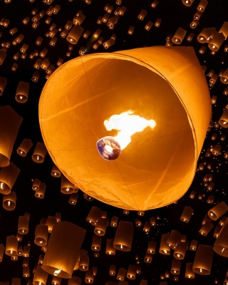 Air fiery torches - Obrázkek zdarma pro 240x320