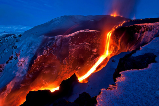 Free Volcano Eruption Picture for Android, iPhone and iPad