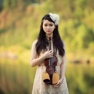 Girl With Violin - Obrázkek zdarma pro 2048x2048