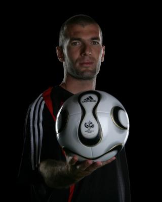 Zinedine Zidane - Obrázkek zdarma pro Nokia Asha 502