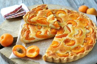 Free Apricot pie Picture for Android, iPhone and iPad