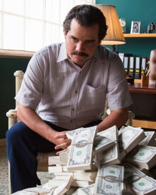 Narcos about Pablo Escobar TV Show - Obrázkek zdarma pro 768x1280
