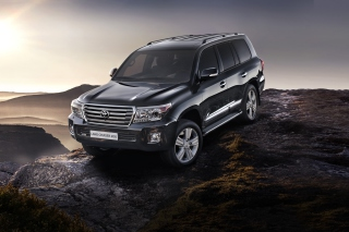 Toyota Land Cruiser 200 SUV Background for Android, iPhone and iPad