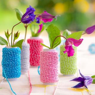 Knitted flower vases - Obrázkek zdarma pro 128x128
