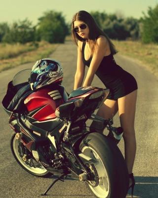 Hot Brunette And Suzuki Motorbike - Obrázkek zdarma pro Nokia 300 Asha