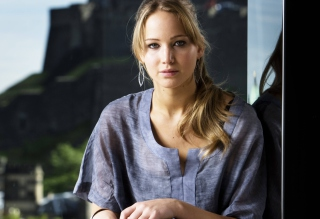 Free Jennifer Lawrence Casual Style Picture for Android, iPhone and iPad
