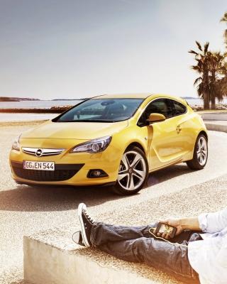 Couple with Opel - Obrázkek zdarma pro Nokia Asha 300