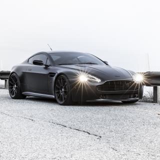 2015 Aston Martin V8 Vantage GT - Obrázkek zdarma pro iPad