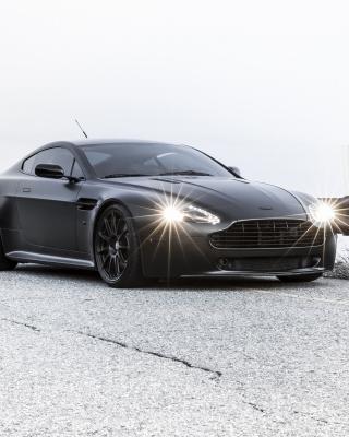 2015 Aston Martin V8 Vantage GT - Obrázkek zdarma pro Nokia Lumia 620