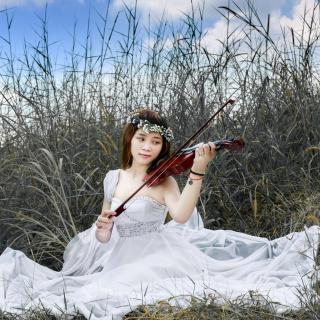Asian Girl Playing Violin - Obrázkek zdarma pro 2048x2048