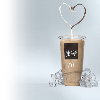 Milkshake from McCafe - Obrázkek zdarma pro iPad mini