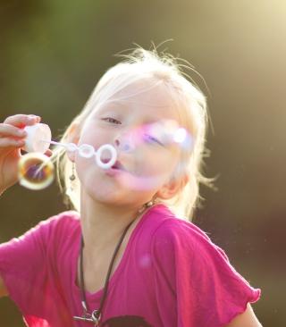Bubbles And Childhood - Obrázkek zdarma pro Nokia C3-01