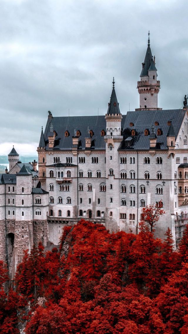 neuschwanstein castle in fall wallpaper for iphone 5