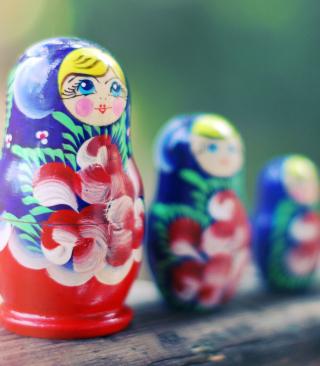 Russian Dolls - Obrázkek zdarma pro Nokia Asha 308