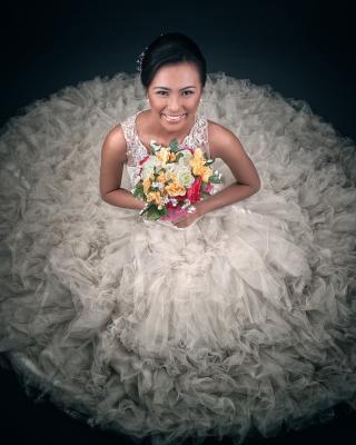 Happy Bride - Obrázkek zdarma pro Nokia Asha 502