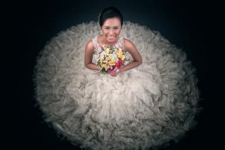 Happy Bride - Obrázkek zdarma pro LG Optimus L9 P760