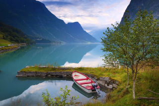 Beautiful Norway Background for Android, iPhone and iPad