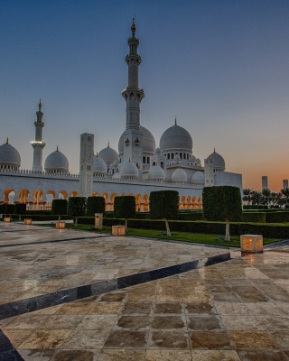 Kostenloses Sheikh Zayed Grand Mosque in Abu Dhabi Wallpaper für 640x960