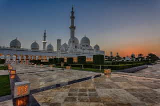 Sheikh Zayed Grand Mosque in Abu Dhabi Background for Android, iPhone and iPad