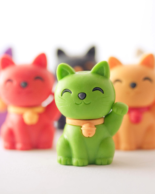 Free Maneki Neko Japanese Lucky Cat Picture for iPhone 6 Plus