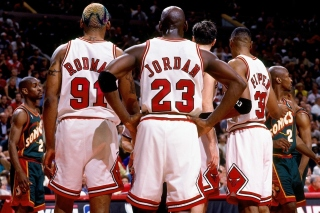 Kostenloses Chicago Bulls with Jordan, Pippen, Rodman Wallpaper für Android 540x960