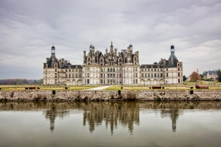 Chateau de Chambord French Renaissance Castle Background for Android, iPhone and iPad